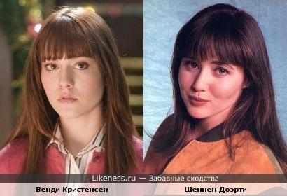 Похожие актрисы снимаются в мистических фильмах.