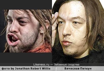 Человек на портрете из фотопроекта,где показаны лица людей под сильной струёй ветра, похож на В.Петкуна