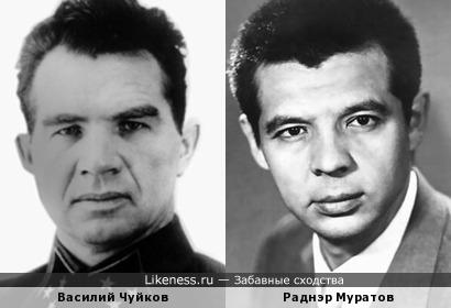 Василий Чуйков на этом фото напоминает Раднэра Муратова