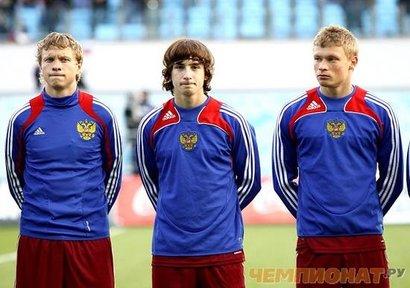 А это ребята в молодежной сборной - чем не братья Березуцкие?