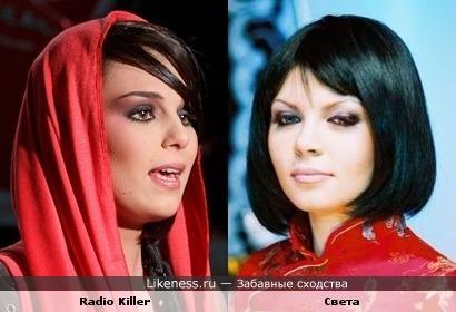 Две певицы исключительно похожи..