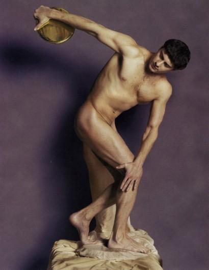 фото голый антон макарский